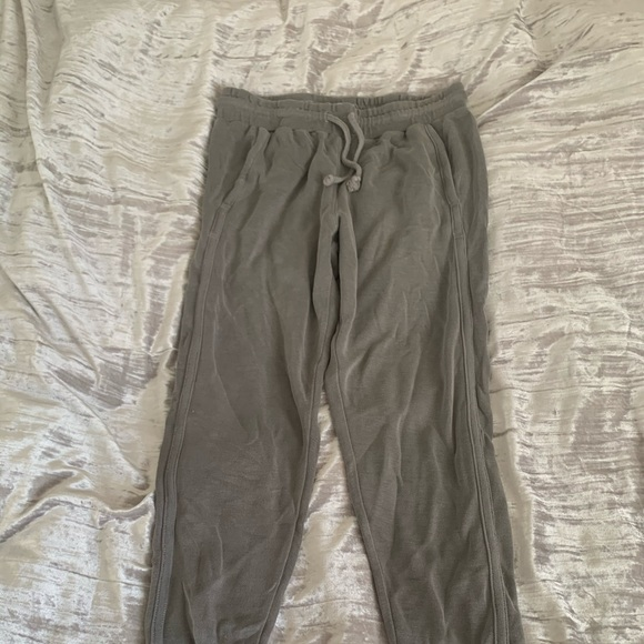 Free People Pants - Free People light grey jogger. Size XS